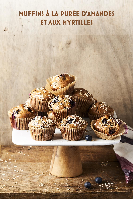 Photo culinaire Muffin myrtilles purée d'amandes et myrtilles ©MaudArgaibi Stylisme Caroline Pessin